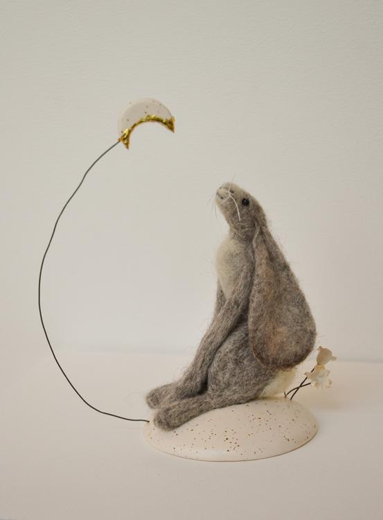 Tracey Benton Moon Gazing Hare Needle Felt On Ceramic Base